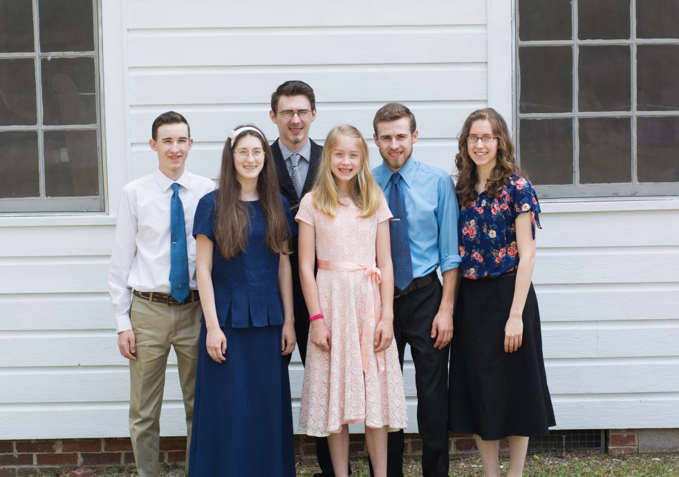 Bloom with Grace – Encouraging young ladies towards Biblical